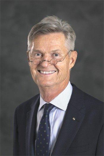 2020-21RI社長1